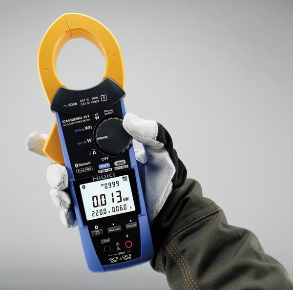 Easily operate with one hand<br>Turn the rotary switch while holding the instrument in the same hand.<br>Grooves on the switch make it easy to rotate even while wearing work gloves.